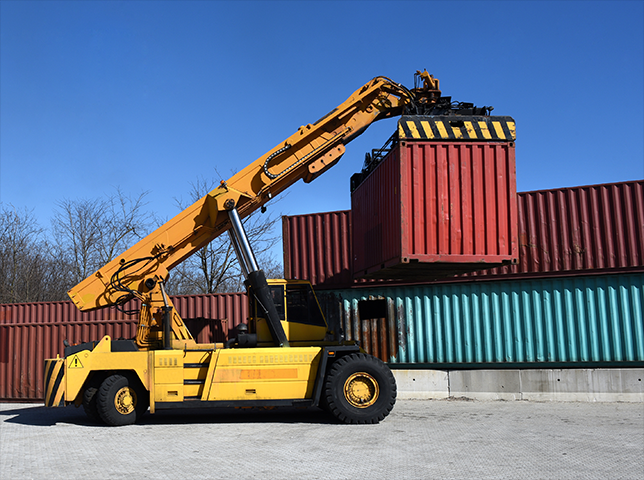 vehicle shipping to Canada in containers